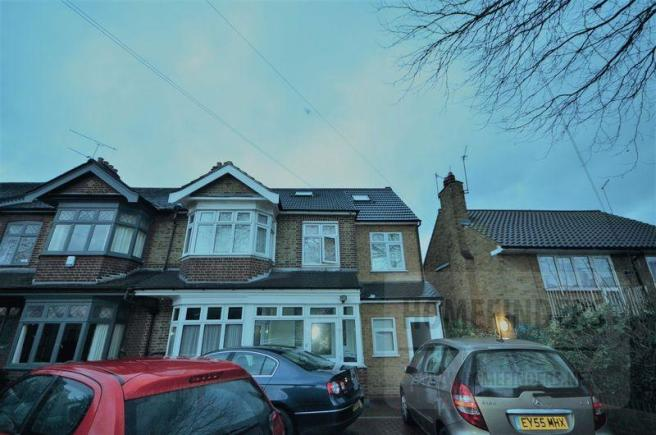 2 Bedroom Flat To Rent In All Bills Included The Drive Walthamstow E17 E17