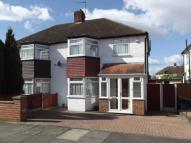 3 bedroom semi detached house to rent in Highams Park, London, E4