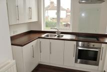 2 bed Maisonette in Endlebury Road...