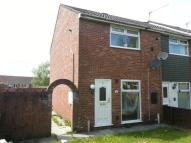 2 bed property to rent in Rhos Helyg