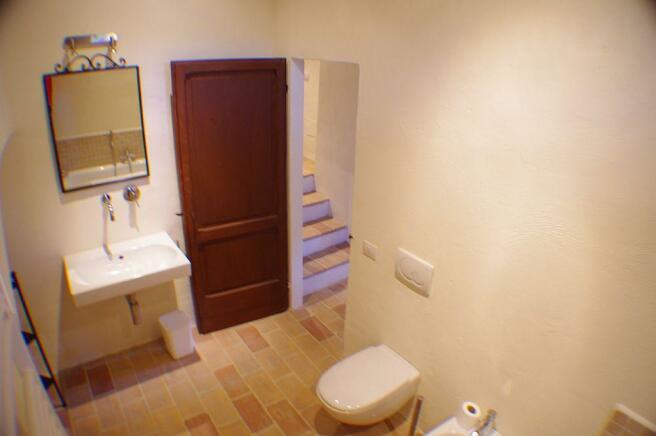 Il Fornaio bathroom