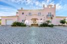 4 bed Villa for sale in Carvoeiro,  Algarve