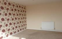 2 bedroom Flat to rent in 18 Orchard Way, ...