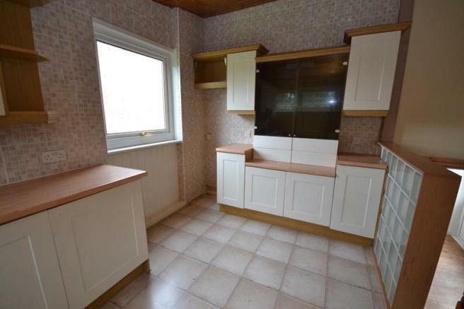 68 Pine Kitchen.JPG