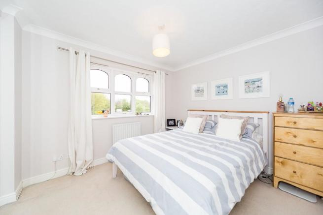 4 bedroom detached house for sale in blake close royston sg8 - 2 master bedroom houses for sale ...