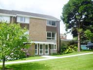 2 bedroom Flat in Montagu Road, Highcliffe...