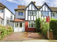 Princes Avenue semi detached house to rent