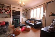 1 bed Flat to rent in Acacia Road, Acton