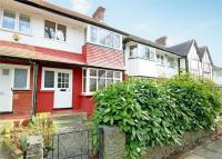 3 bed Terraced home to rent in Park Drive, Acton