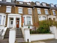 2 bedroom Flat in Mill Hill Road, Acton