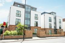 Flat in Gunnersbury Lane, Acton