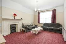 Flat to rent in Birch Grove, Acton