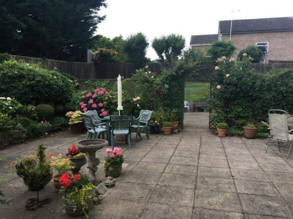 Well Kept Gardens