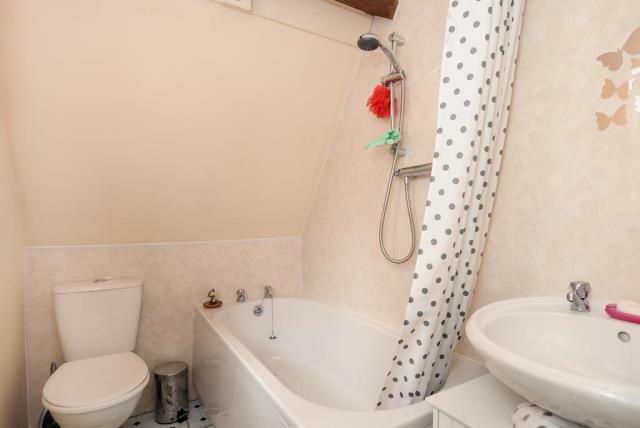White Suite Bathroom