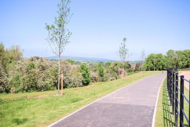 Pathway to Green & into Town