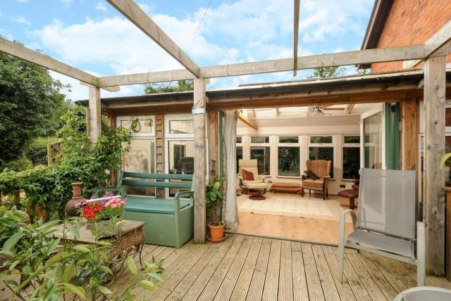 Garden Room with Decking Area