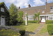 5 bedroom Maisonette in Macartney House...