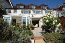 5 bedroom Detached home in Riverside...