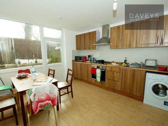 8HEATON-kitchen.jpg