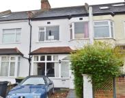 3 bed Terraced home for sale in Kings Avenue, New Malden