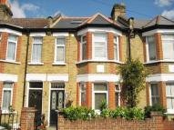 Flat to rent in Dorien Road, Raynes Park