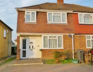 3 bed property in Cox Lane