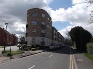 Ground Flat to rent in Copperfield Court...