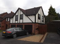 Maisonette in Silverbirch Drive...