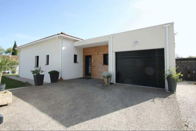 House for sale Caux