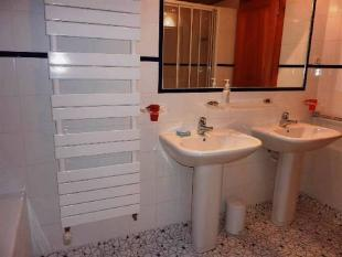 Bathroom with 2...