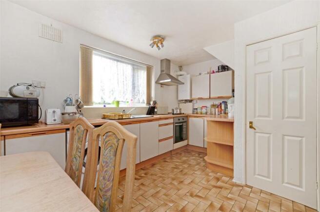 Kitchen (3).jpg