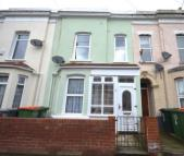 4 bed property to rent in Vicarage Road, Stratford...