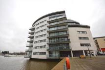 2 bed Flat in Basin Approach...