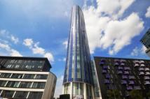 3 bedroom Flat in Stratford Halo...