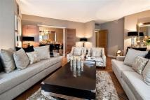 3 bed Flat in Parkwood Point...