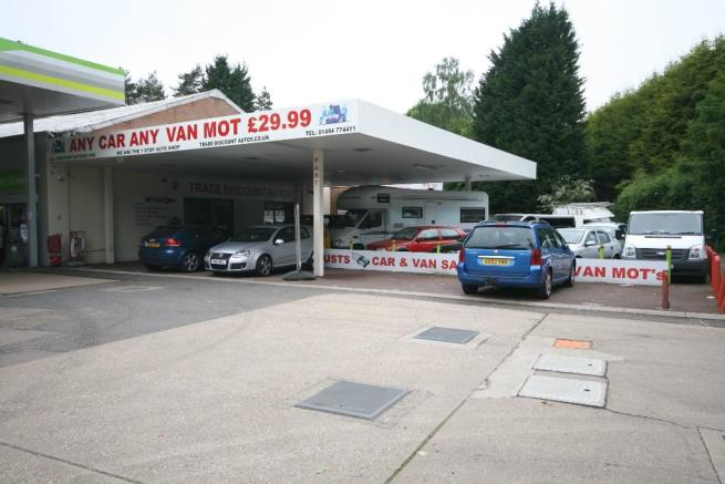 Garage To Rent In Ashley Green Road Chesham