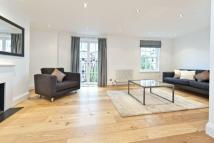 3 bed house in Peony Court...