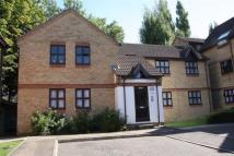 Flat to rent in Lodgehill Park Close...
