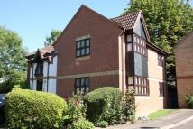 1 bed Flat to rent in Lodgehill Park Close...