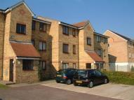 Flat to rent in Scammell Way, Watford