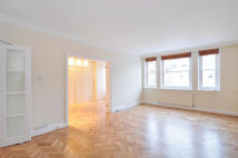 4 bed Flat to rent in Bina Gardens, London. SW5