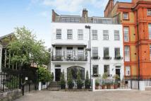 4 bed Terraced house in Cheyne Walk, London, SW3