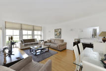 2 bedroom Ground Flat to rent in Kings Road...