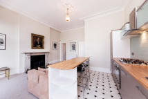 Flat to rent in Redcliffe Place...