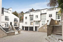 3 bed property in Park Walk, London. SW10