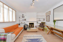 1 bed Flat to rent in Fernshaw Road...