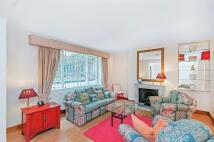 2 bedroom Flat in Fernshaw Road...