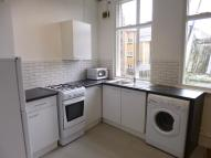 3 bed Flat to rent in Goldhawk Road...