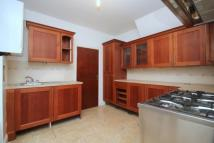 Flat to rent in Hockley Avenue...