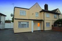 4 bed semi detached home in Raymond Road...